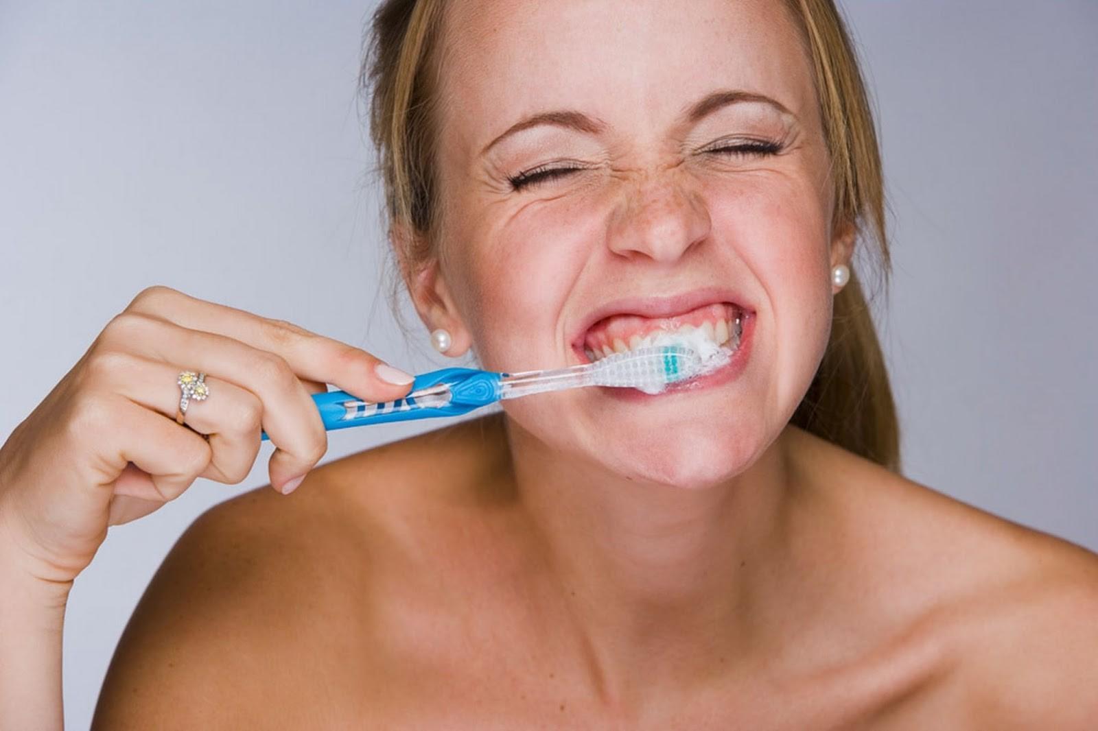 تنظيف-الأسنان1.jpg.crdownload
